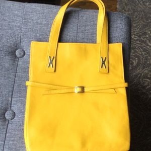 Yellow tote purse with three deep pockets